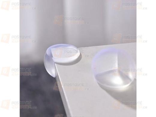 4 plastové kryty na rohy nábytku