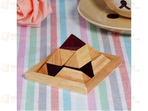 Dřevěný hlavolam - pyramida