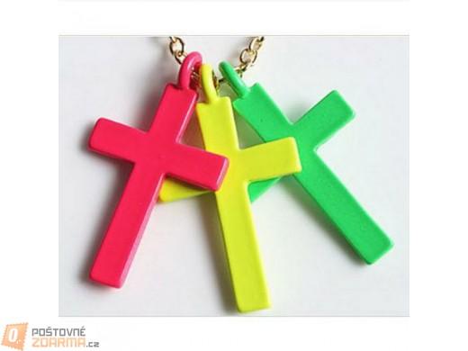 Náhrdelník se třemi kříži v atraktivních barvách