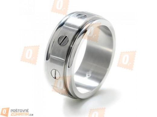 Pánský prsten s dekorací šroubů