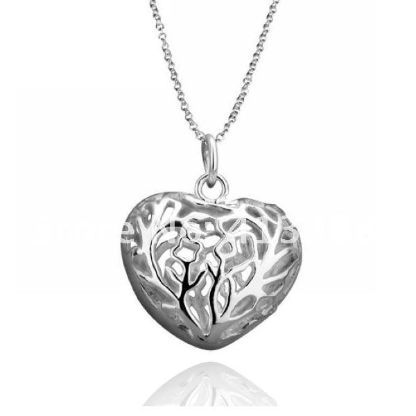 Náhrdelník se srdcem - stříbrná barva
