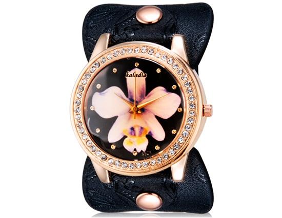 Dámské široké hodinky s květinou